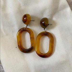 Jewelry - Resin dangly earrings